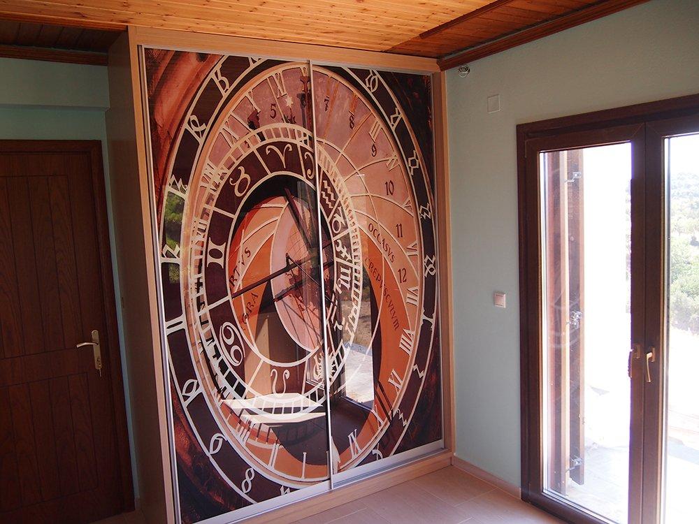 Ψηφιακή εκτύπωση ντουλάπας με θέμα ρολόι